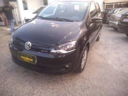 Volkswagen Fox Bluemotion 1.0 Flex 4p - 2014