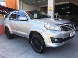 Toyota Hilux SW4 3.0 4x4 2015 Prata - 2015