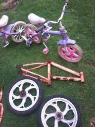 Bicicletas pra retirada de peças