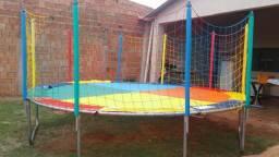 Locação de cama elastica, ( pula pula), piscina de bolinhas e jogos de mesa