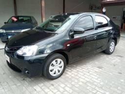 Etios Sedan X 1.5 completo com GNV. Financiamento Facilitado