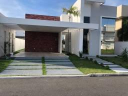 Casa alto padrão no Condomínio Royal Ville