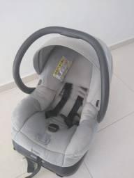 Bebê conforto maxi cosi com base para o carro