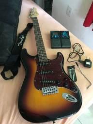 Vendo guitarra + pedaleira + capa + bandoleira + chave de guitarra + alavanca