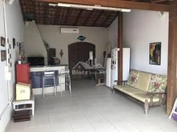 Linda casa 3 dormitórios com amplo terreno para venda na praia dos ingleses em florianópol
