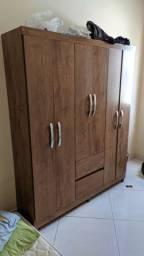 Guarda roupas 6 portas e 2 gavetas