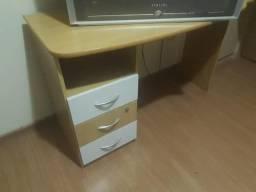 Mesa para Estudos/TV