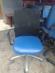 Cadeiras de escritório diversos preços e modelos.