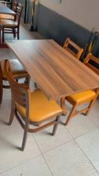 Título do anúncio: Conjunto de Mesa e Cadeiras almofadadas de Madeira ( 120 x 70 )