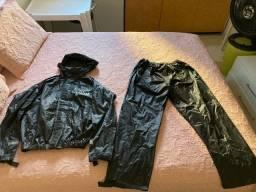 Capa de chuva com capuz e calça (tam. G)