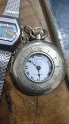 Lote de relógios antigos e moedas