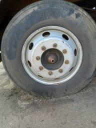 Rodas com pneu