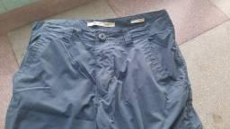 Lote de calças e bermudas de marca