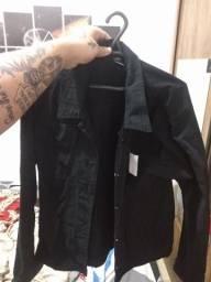 Jaqueta jeans preta nova sem uso com etiqueta