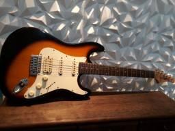Título do anúncio: Guitarra Lyon by Washburn Stratocaster (Usada) (cordas novas)