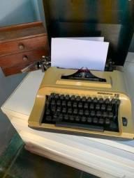 Título do anúncio: Máquina De Escrever Remington 15