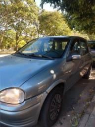 Corsa Hatch 98 cinza 4 portas