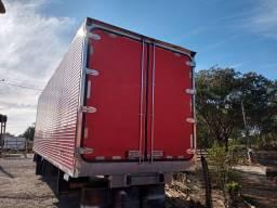 """Título do anúncio: Baú refrigerado Scania """"gancheira"""""""
