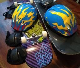 Título do anúncio: Skate infantil com capacete