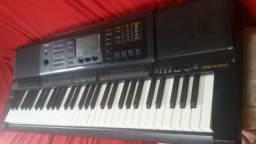 Vendo um teclado casio MZX 300