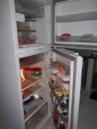 Vendo ou troco por geladeira menor