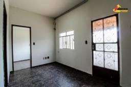 Casa Residencial para aluguel, 3 quartos, 1 vaga, Planalto - Divinópolis/MG