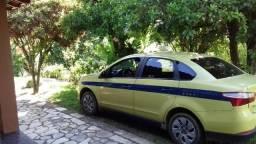 Táxi Fiat Gran Siena com autonomia