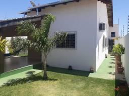 Casa resd arco íris com piscina aquecida e área gourmet anapolis go