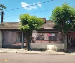 Casas sobrepostas 04 quartos e 02 vagas no Sítio Cercado, Curitiba