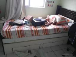 Vende-se cama com colchão e cama alxilia com gaveta e cochão