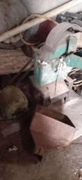 Vendo triturador.