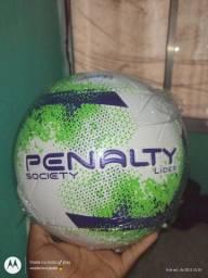 Título do anúncio: Vendo bolas penalty society líder