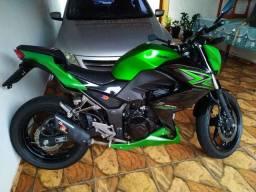 Kawasaki Z300 aceito troca