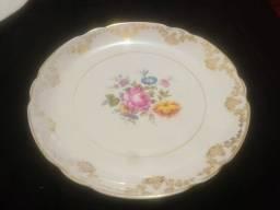 Antigo prato de parede floral Porcelana Real São Paulo