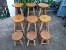 Banquinhos de madeira maciça! A partir de R$35,00 cada