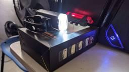 Kit lanterna + Bolsa celular.
