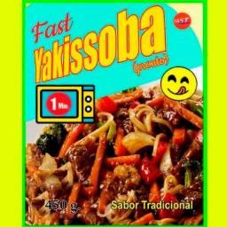 Título do anúncio: Yakisoba pronto. 1 minuto no micro. kit com 3pack.
