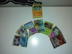 Coleção de Cartas Pokémon, Contendo Muitas Cartas Raras.