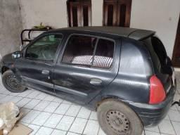 Vendo Clio 2001 para retirada de peças. Documentado