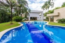 Título do anúncio: Casa de condomínio para venda possui 700 metros quadrados com 4 quartos
