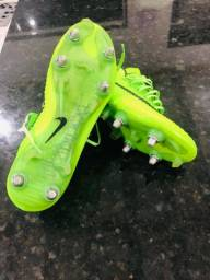 Chuteira Nike Mercurial Profissional N? 40