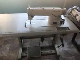 Máquina de costura Maqi