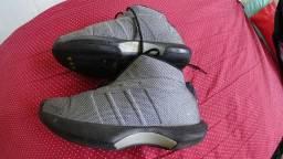 Tênis Adidas Kobe Briant Número 40