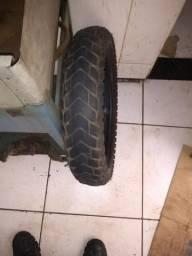 Vendo pneu traseiro da Bros em bom estado de uso
