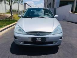 Focus Sedan 2.0 - 2001/2001 - 2001