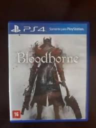 Jogo usado para PS4 Bloodborne, em ótimo estado de conservação