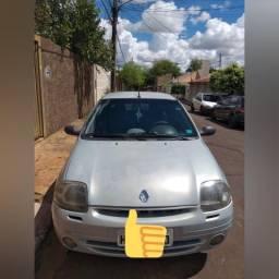 Clio Sedan 1.0 completo - 2001
