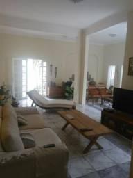 Casa confortável em Casa Amarela, área nobre, sala 4 ambientes,3 quartos, 2 suíts, 2 vagas