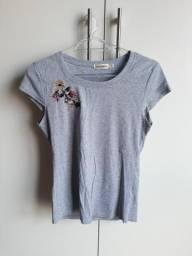 Blusa Cinza com Miçangas Costuradas G M