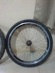 Rodas de bicicleta (Vmaxx)~Aro 26 - Usadas